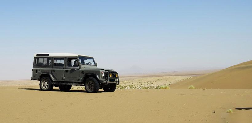 ساماندهی ورود خودروهای آفرود به کویر مرنجاب